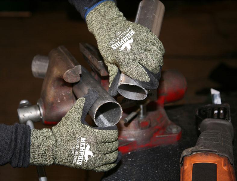 9389 - KS-5™, 13 Gauge DuPont™ Kevlar®/Steel/Nylon Fibers, Black Latex Dip Palm and Fingers